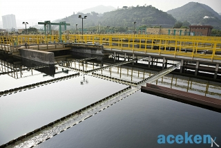 sedimentation-tanks-in-a-sewage-treatment-plant_aceken50_1539266851.jpg